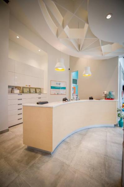 BIEN-ÊTRE : Un environnement apaisant où tous les éléments ont été pensés pour assurer le confort de nos patients et de leur famille. - Clinique Dentaire Ho