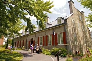 Château Ramezay - Historic Site and Museum of Montréal - Photo 1