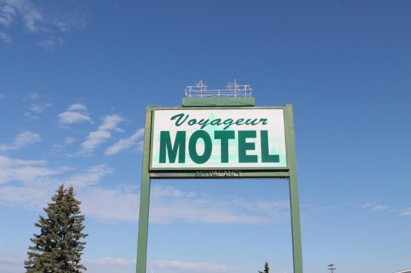 Voyageur Motel - Photo 2