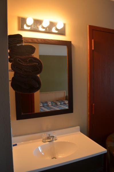 Horseman Motel & Dining Lounge - Photo 6