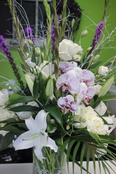 Elderberry Floral & Gift Inc - Photo 4