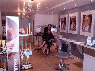 Amp Salon - Photo 1