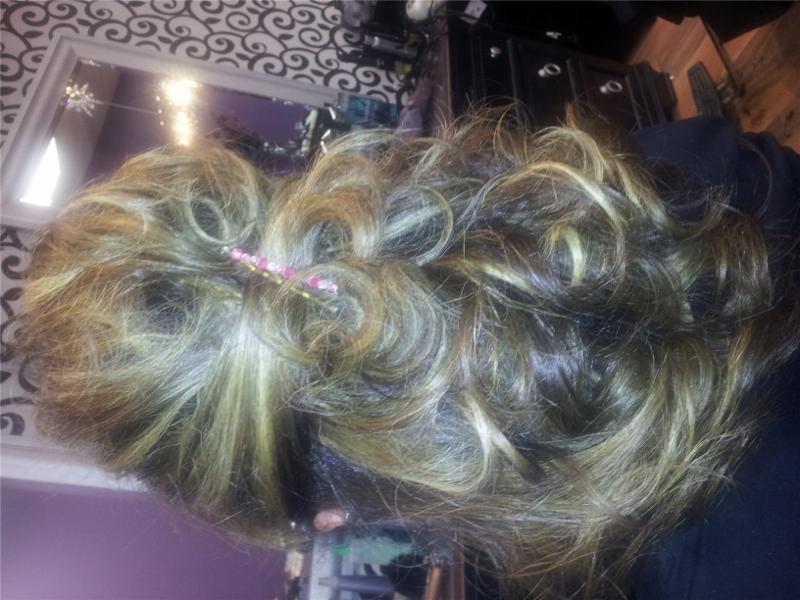 Dazzle Hair Boutique - Photo 4