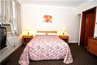 Ascot Motel - Photo 6