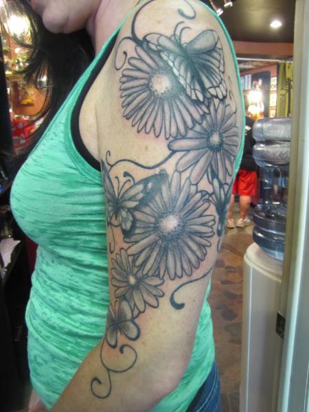 Two trolls tattoo den dundas on 1 king st e canpages for Tattoo shops etobicoke
