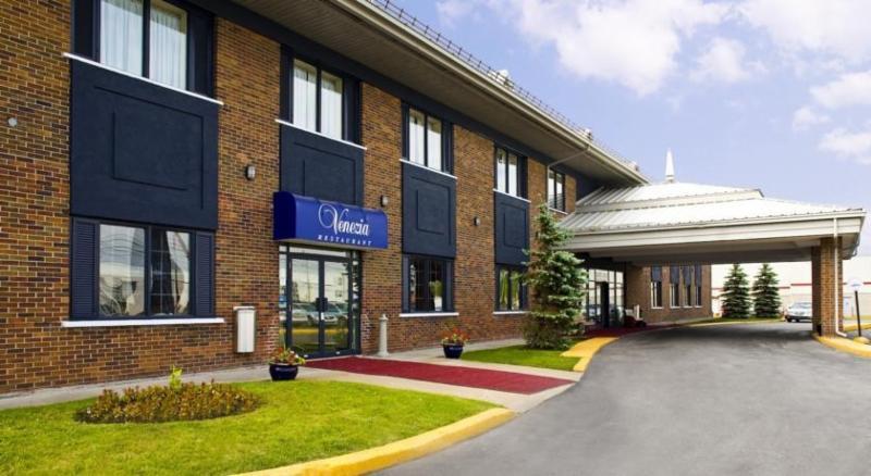 Travelodge Hotel Montreal Airport - Photo 2