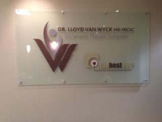 Dr Lloyd Van Wyck MD FRCS - Photo 2