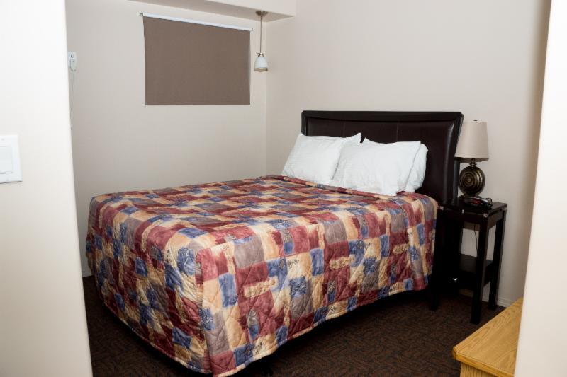 Thunderhill Motel - Photo 3