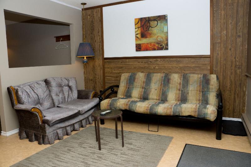 Thunderhill Motel - Photo 4