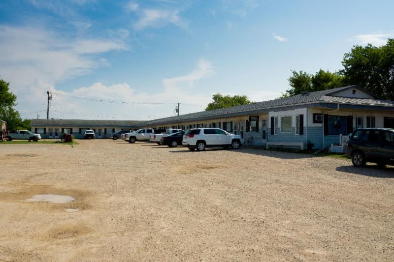 Thunderhill Motel - Photo 10