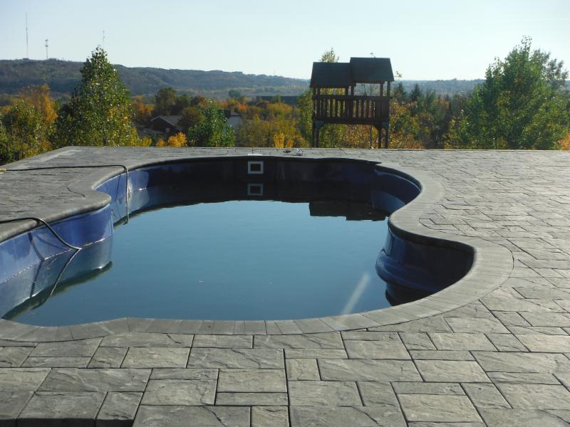 Wet N Wild Pools and Hot Tubs - Photo 3