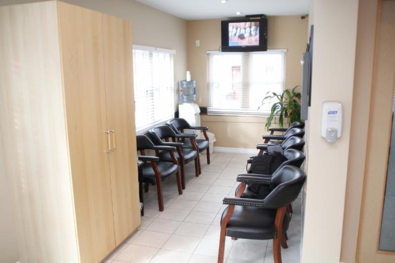 Lima Denture Clinic - Photo 2