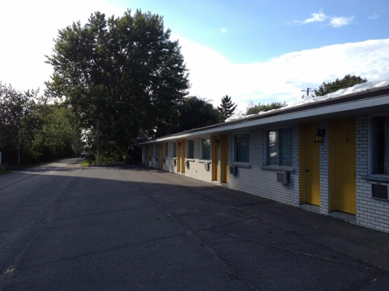 Motel Champlain - Photo 5