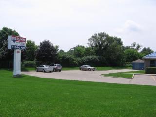 RE/MAX Tri-County Realty Inc Brokerage - Photo 3