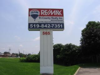 RE/MAX Tri-County Realty Inc Brokerage - Photo 2