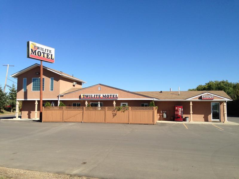Twilite Motel - Photo 3