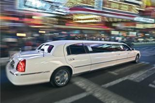 VIP Style Limousine - Photo 1