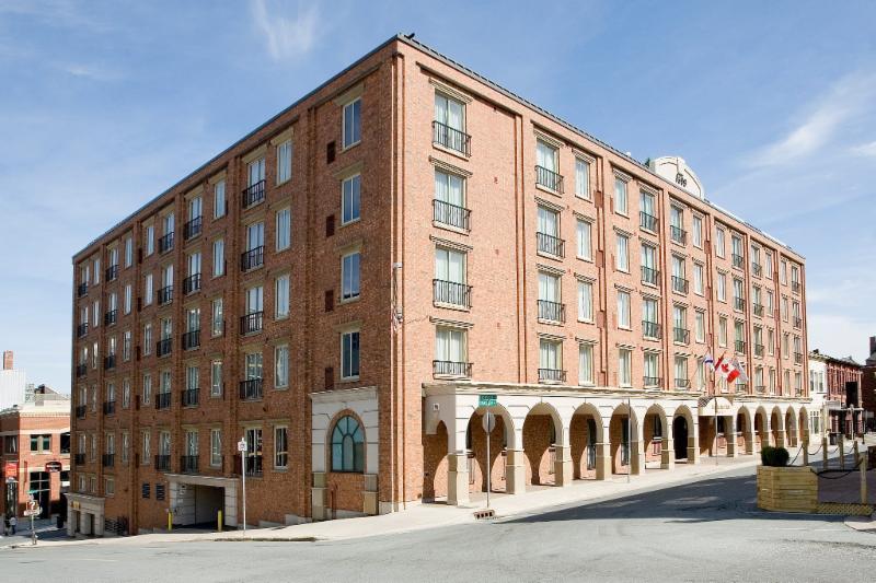 Residence Inn by Marriott - Photo 6