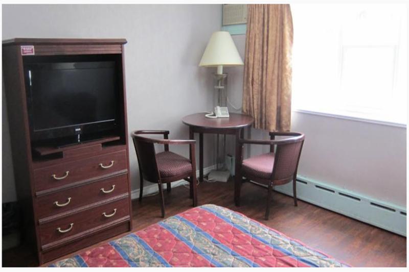 Pari's Motel - Photo 5