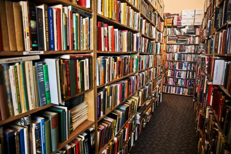Bison Books - Photo 4