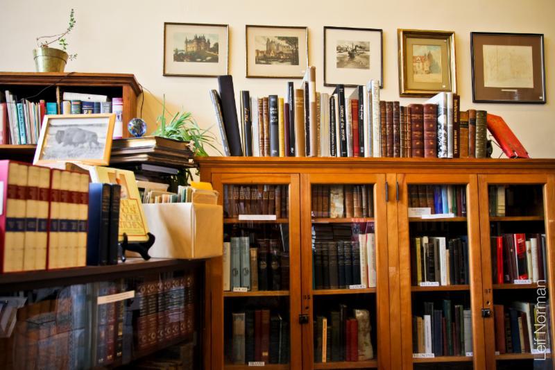 Bison Books - Photo 5