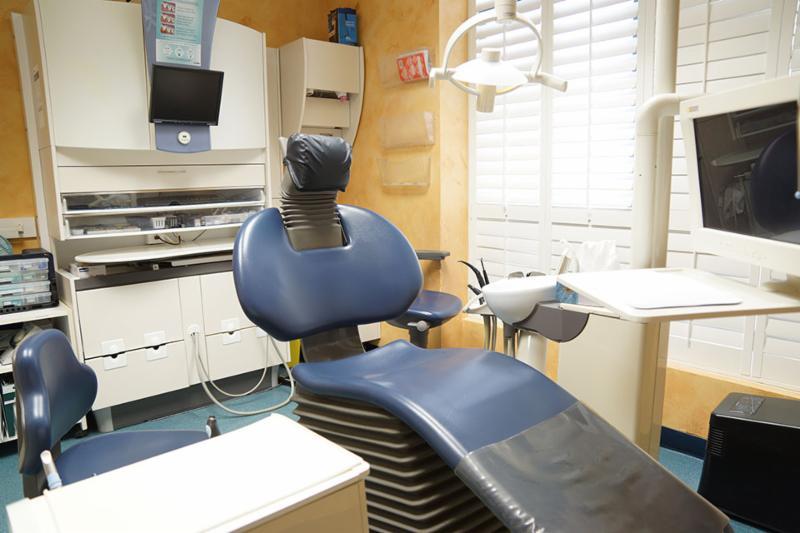 Glen Abbey Dental Office - Photo 7