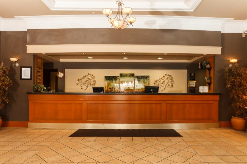 Glenmore Inn & Convention Centre - Photo 7