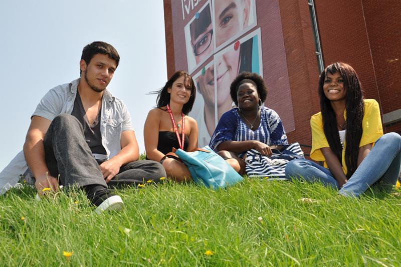Une ville et un campus ouverts sur le monde - Cégep de Sherbrooke