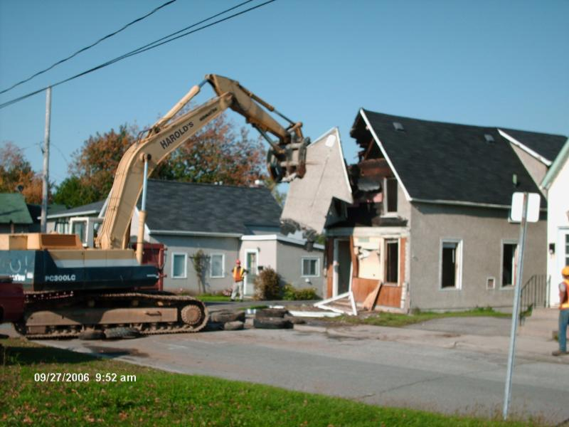 Harold's Demolition And Recycling - Photo 4