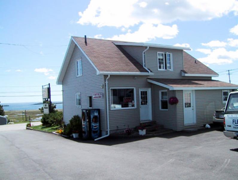 Island View Motel - Photo 7