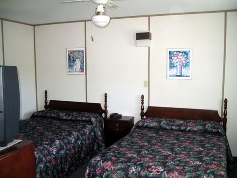 Island View Motel - Photo 4