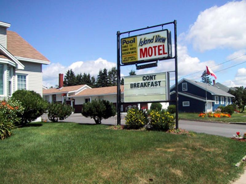 Island View Motel - Photo 1