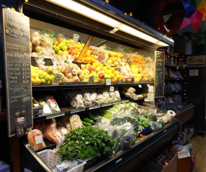 Fresh organic fruit & vegetables all round !