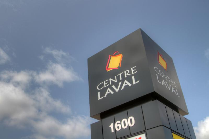 Bijouterie à l'intérieur du centre d'achat Centre Laval