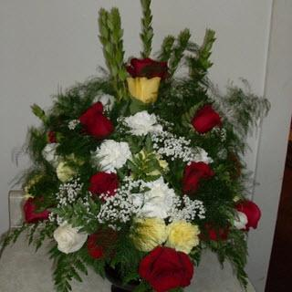 Reid's Flowers And Gifts - Photo 5