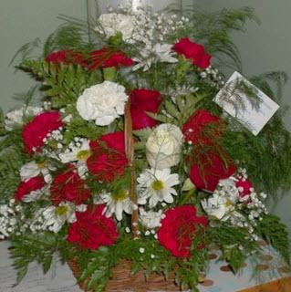 Reid's Flowers And Gifts - Photo 3