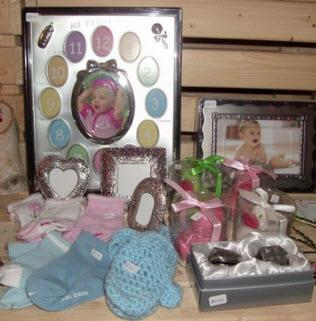Reid's Flowers And Gifts - Photo 7