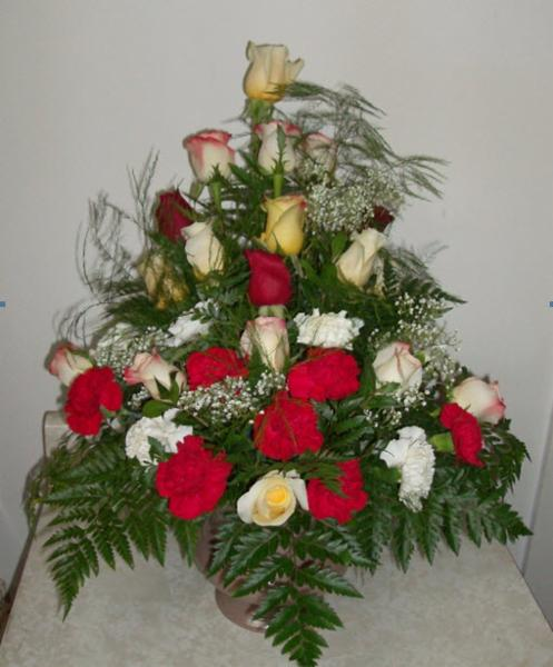 Reid's Flowers And Gifts - Photo 2