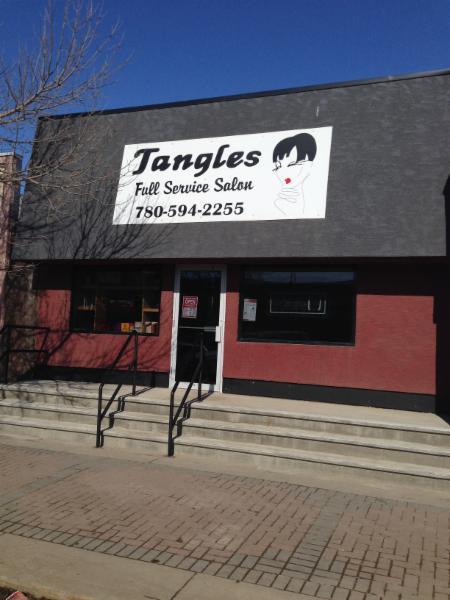 Tangles - Photo 2