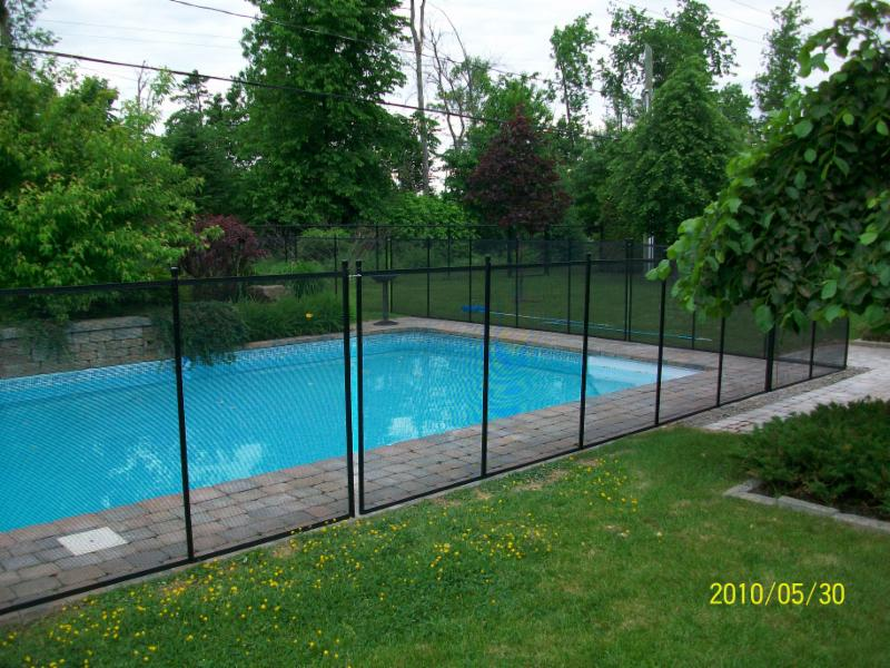 Cl tures de piscine amovibles pool guard opening hours for Cloture amovible piscine quebec