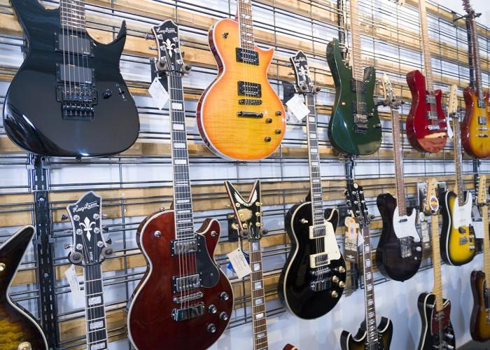 Kickaxe Guitars Inc - Photo 3