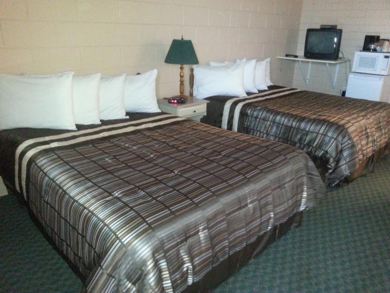 Maple Leaf Motel - Photo 8