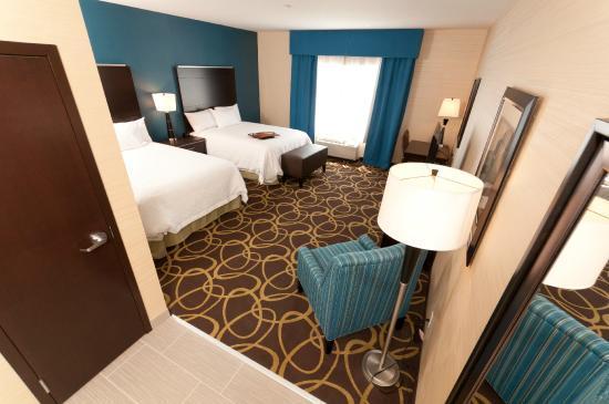 Hampton Inn & Suites - Photo 5