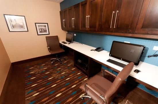 Hampton Inn & Suites - Photo 2
