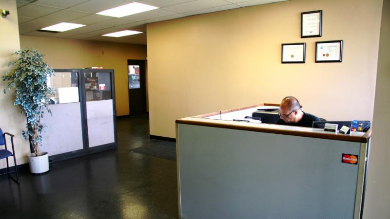Master Tech Auto Body And Service Centre - Photo 2