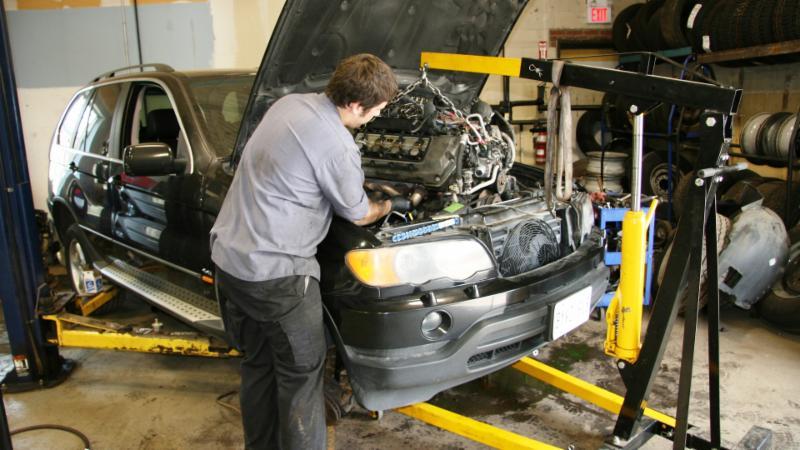 Master Tech Auto Body And Service Centre - Photo 5