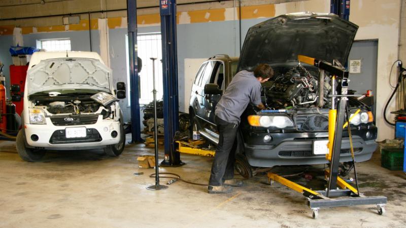 Master Tech Auto Body And Service Centre - Photo 6