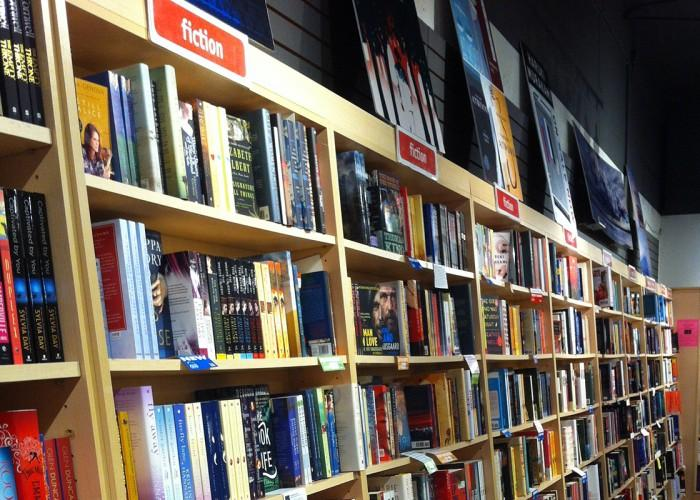 Black Bond Books Ltd - Photo 4