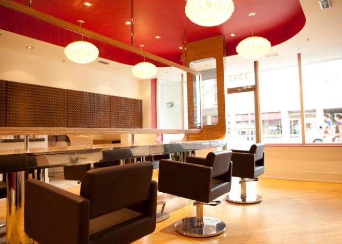 Blowdry Lounge - Photo 2