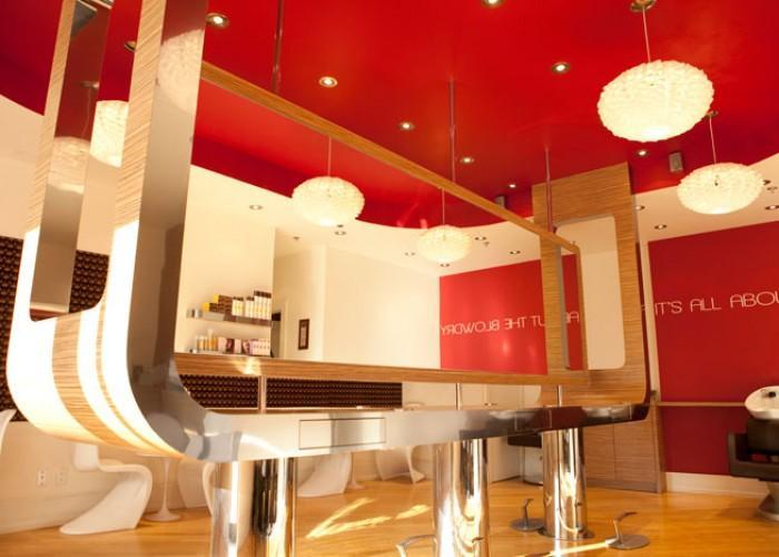 Blowdry Lounge - Photo 3
